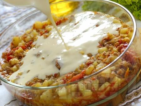 Класическа картофена мусака с кайма и заливка с кисело мляко - снимка на рецептата